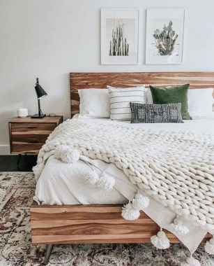 Lovely Winter Master Bedroom Decorations Ideas Best For You 10