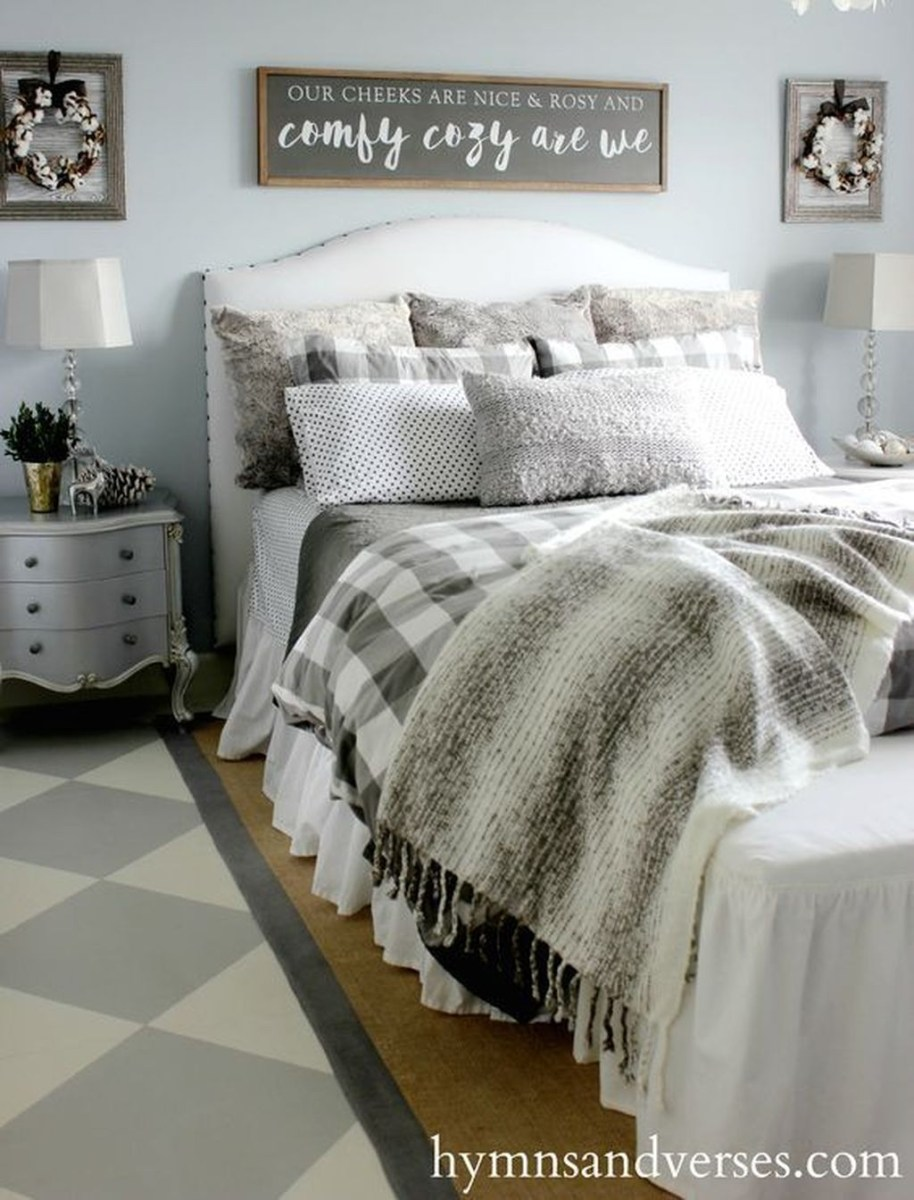 Lovely Winter Master Bedroom Decorations Ideas Best For You 20