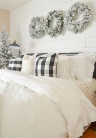 Lovely Winter Master Bedroom Decorations Ideas Best For You 23