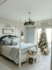 Lovely Winter Master Bedroom Decorations Ideas Best For You 27