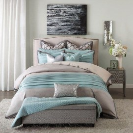 Lovely Winter Master Bedroom Decorations Ideas Best For You 34