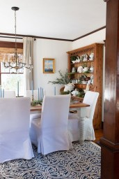 Popular Winter Dining Room Decorations On Your Table 04
