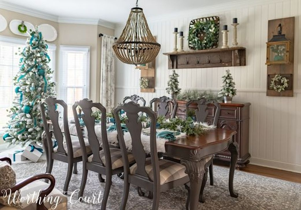 Popular Winter Dining Room Decorations On Your Table 24