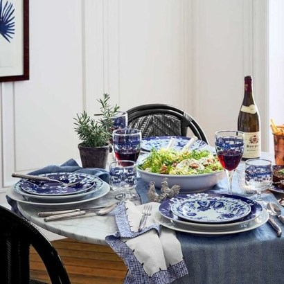 Popular Winter Dining Room Decorations On Your Table 31