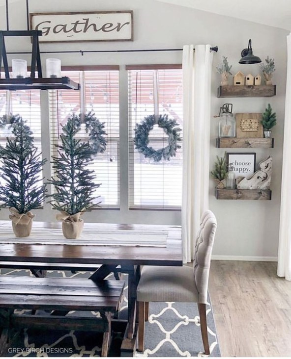 Popular Winter Dining Room Decorations On Your Table 46
