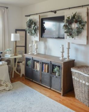 Stunning Winter Living Room Decor Ideas You Should Try 09