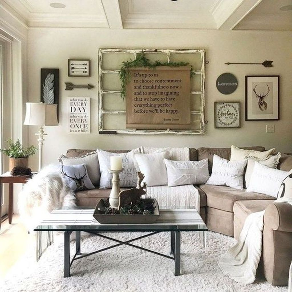 Stunning Winter Living Room Decor Ideas You Should Try 10