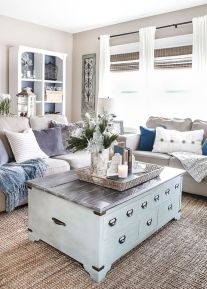Stunning Winter Living Room Decor Ideas You Should Try 48
