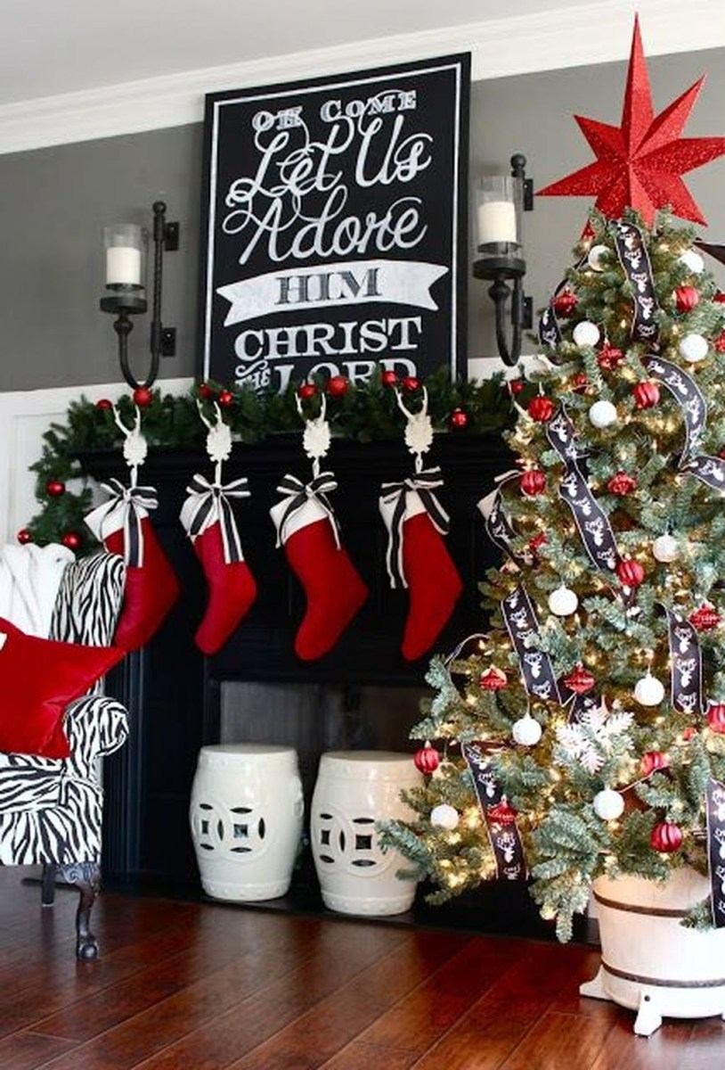 The Best Christmas Fireplace Decoration For Any Home Model 09