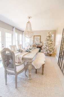 The Best Winter Dining Room Decorations 10