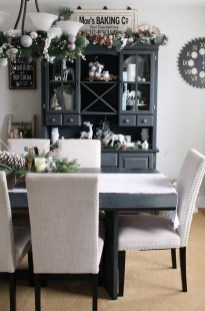 The Best Winter Dining Room Decorations 22