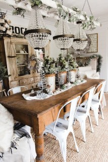 The Best Winter Dining Room Decorations 32