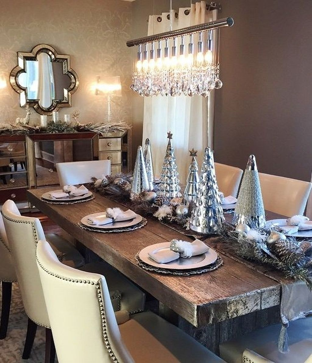 The Best Winter Dining Room Decorations 40