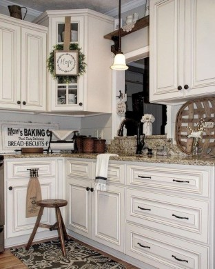 Amazing Remodeling Farmhouse Kitchen Decorations 21