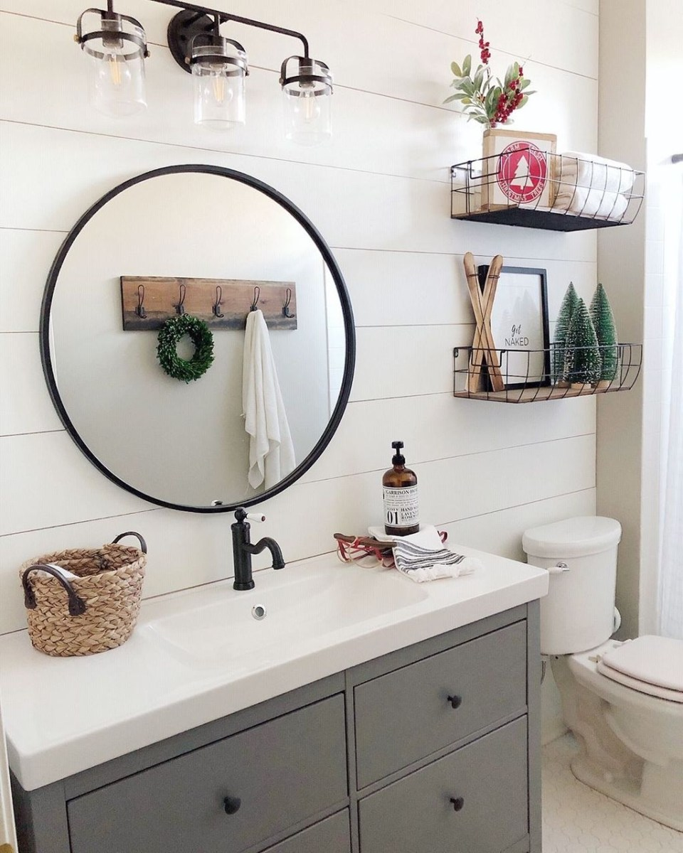 Awesome Winter Bathroom Decor You Need To Have 16