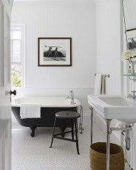 Awesome Winter Bathroom Decor You Need To Have 22