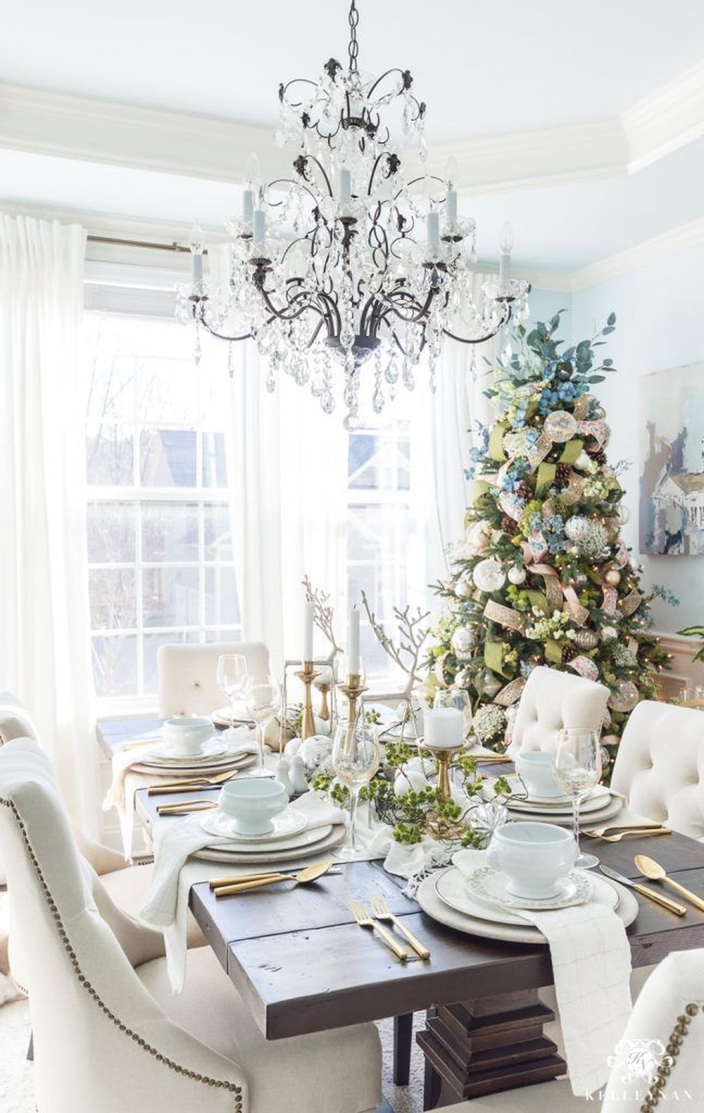 Beautiful Christmas Dining Room Decor Ideas Should You Apply This Winter 03