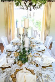Beautiful Christmas Dining Room Decor Ideas Should You Apply This Winter 10