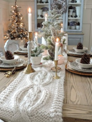 Beautiful Christmas Dining Room Decor Ideas Should You Apply This Winter 15