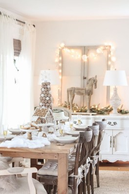 Beautiful Christmas Dining Room Decor Ideas Should You Apply This Winter 16
