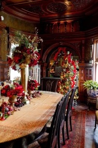 Beautiful Christmas Dining Room Decor Ideas Should You Apply This Winter 31