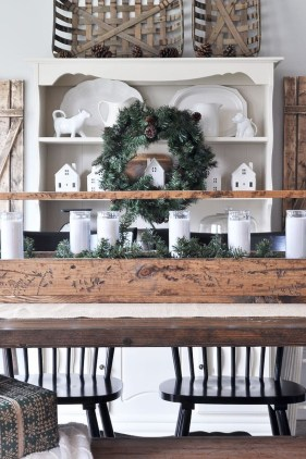 Beautiful Christmas Dining Room Decor Ideas Should You Apply This Winter 46