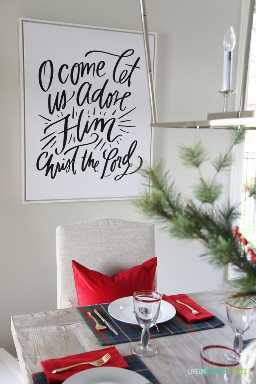 Beautiful Christmas Dining Room Decor Ideas Should You Apply This Winter 49