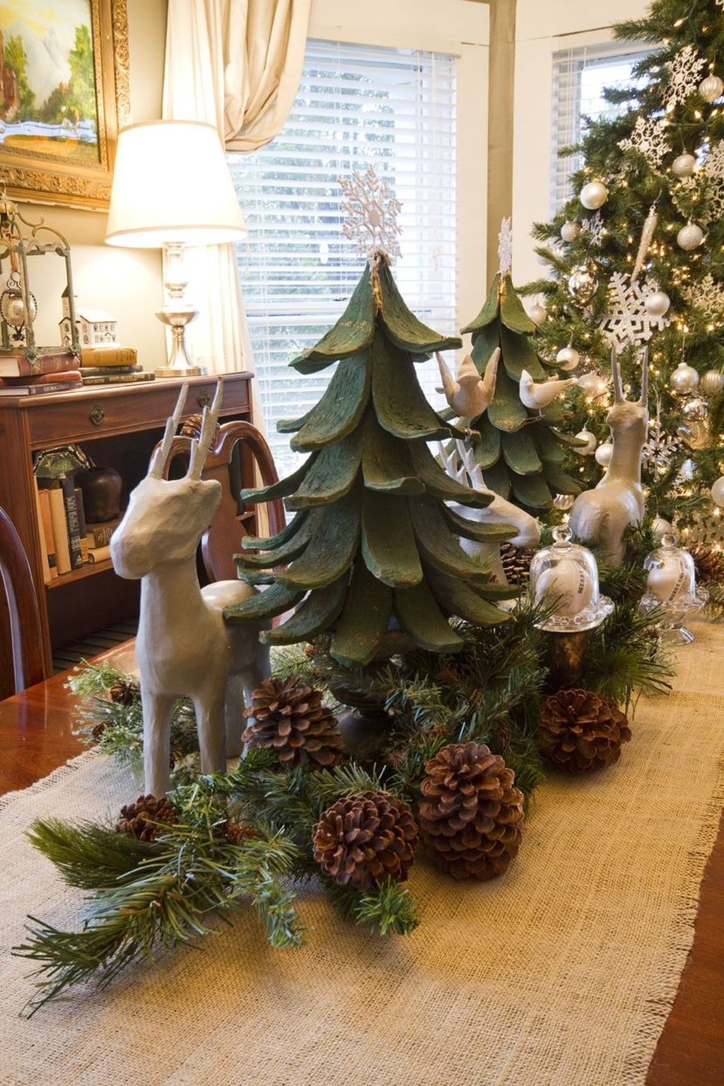 Beautiful Christmas Dining Room Decor Ideas Should You Apply This Winter 50