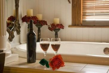Beautiful Romantic Bathroom Decorations 16