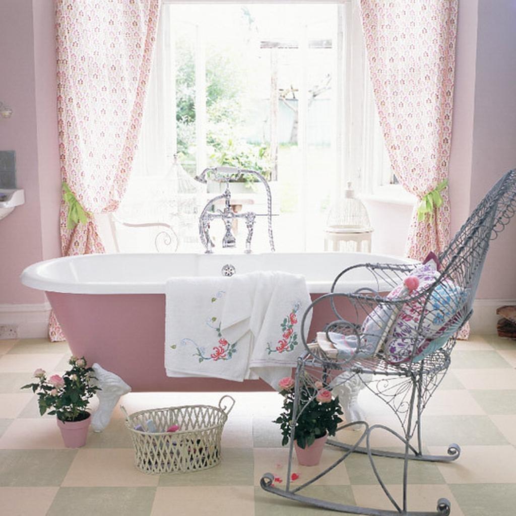 Beautiful Romantic Bathroom Decorations 22