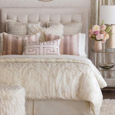 Beautiful White Bedroom Design Ideas 24