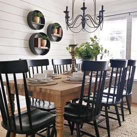 Choosing The Right Farmhouse Dining Room Table 03