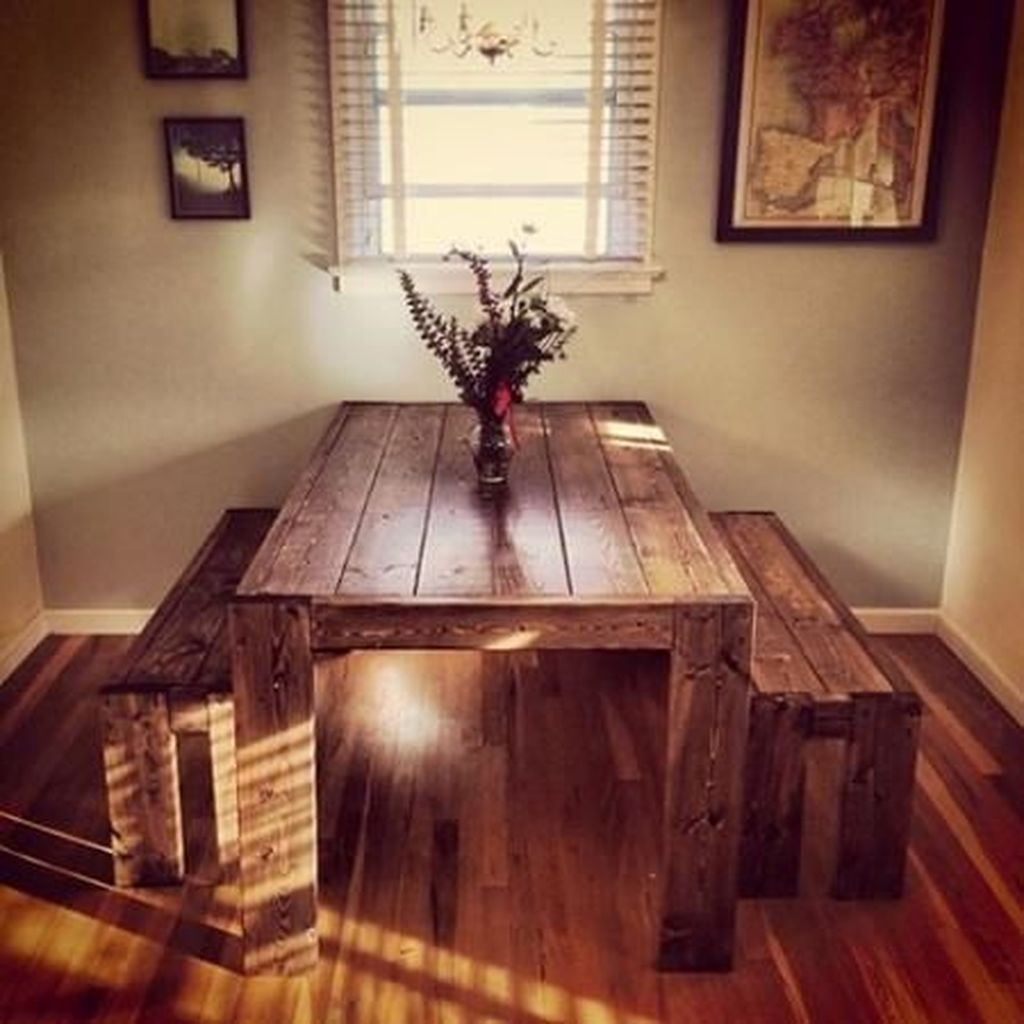Choosing The Right Farmhouse Dining Room Table 18
