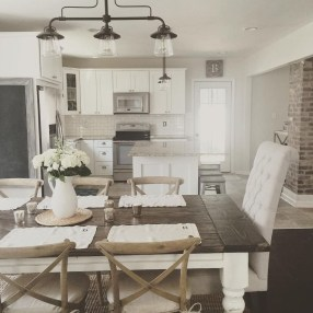 Choosing The Right Farmhouse Dining Room Table 31