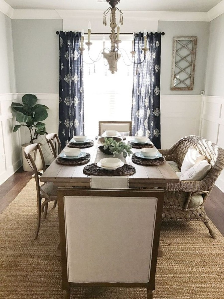 Choosing The Right Farmhouse Dining Room Table 34