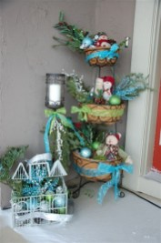Lovely Winter Front Porch Decoration That Will Make Your Porch Looks Beautiful 02