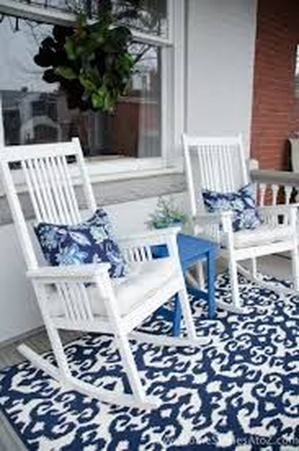 Lovely Winter Front Porch Decoration That Will Make Your Porch Looks Beautiful 30
