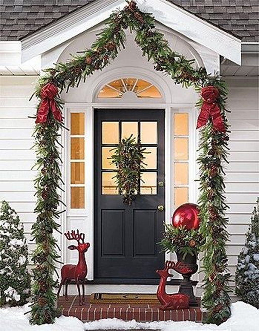 Lovely Winter Front Porch Decoration That Will Make Your Porch Looks Beautiful 47