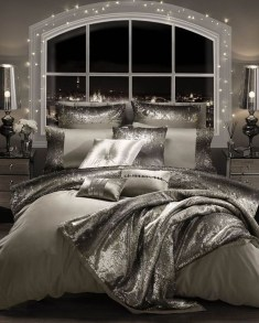 Make Your Bedroom More Romantic With These Romantic Bedroom Decorations 11