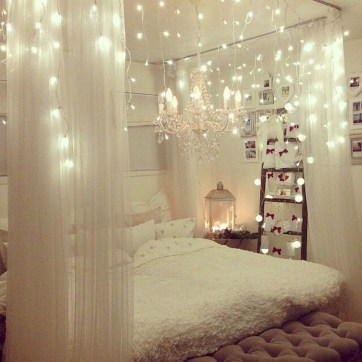 Make Your Bedroom More Romantic With These Romantic Bedroom Decorations 15