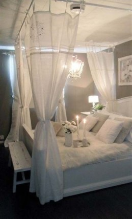 Make Your Bedroom More Romantic With These Romantic Bedroom Decorations 21