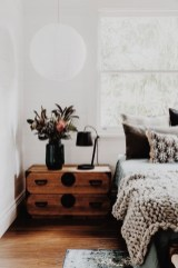 Make Your Bedroom More Romantic With These Romantic Bedroom Decorations 26