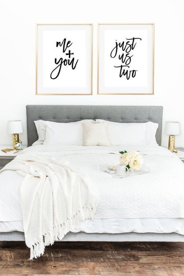 Make Your Bedroom More Romantic With These Romantic Bedroom Decorations 43
