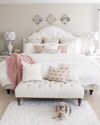Make Your Bedroom More Romantic With These Romantic Bedroom Decorations 46