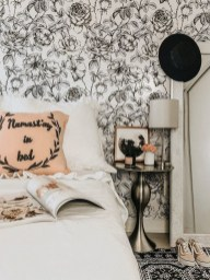 Modern Minimalist House Design In Black And White Color Scheme 05