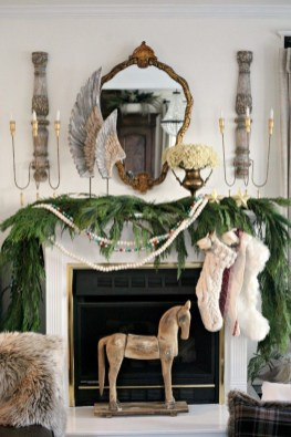 Nice Mantel Decorations Best For Winter 27