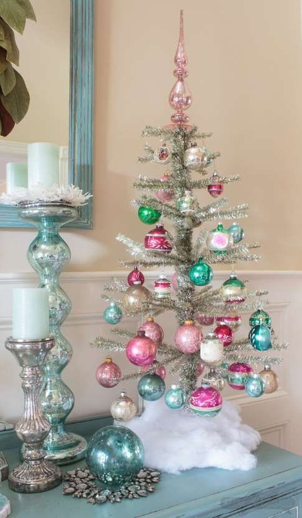 Perfect Ideas To Have Great Vintage Christmas Decoration 03