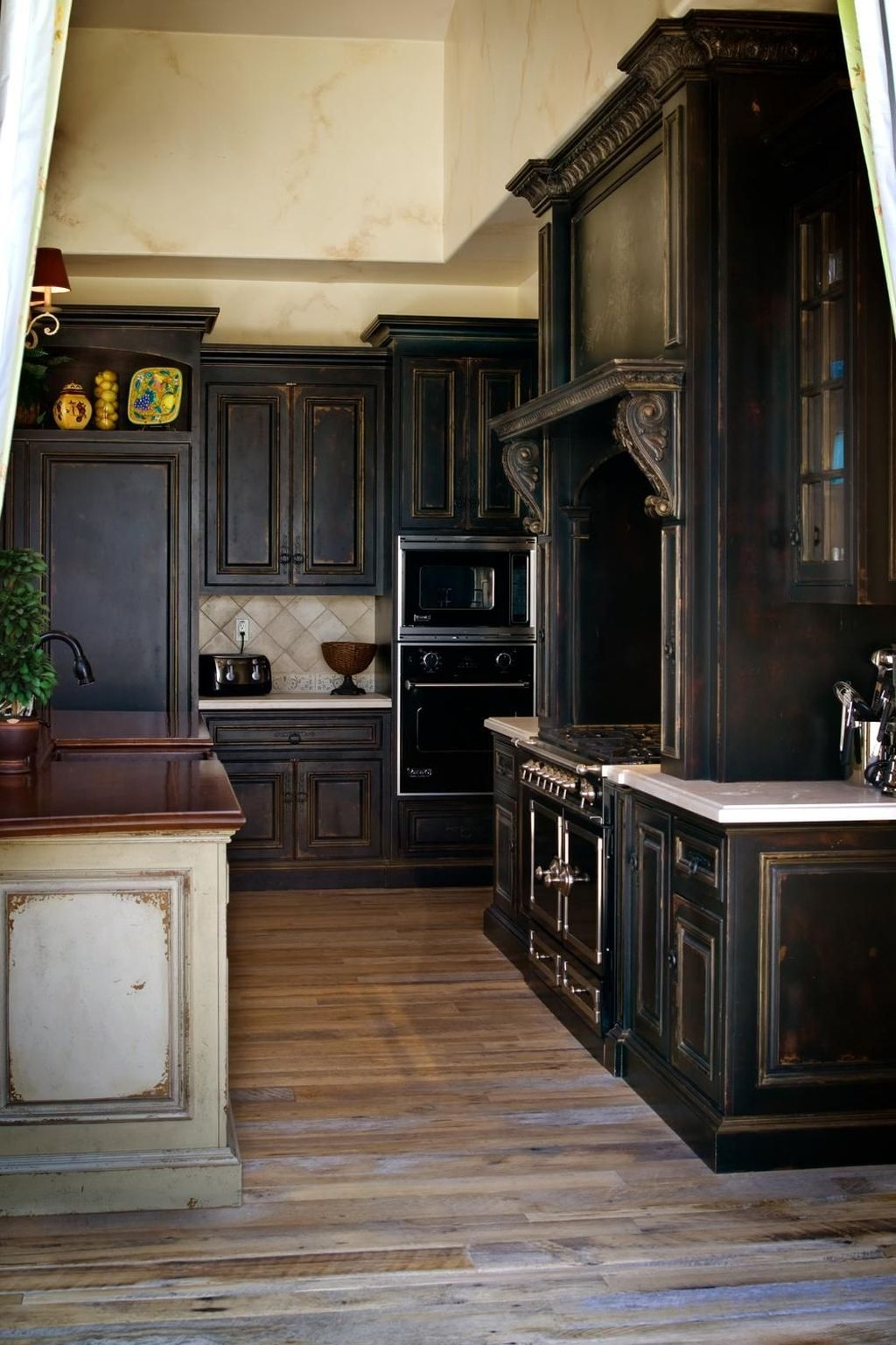 Popular Rustic Kitchen Cabinet Should You Love 36