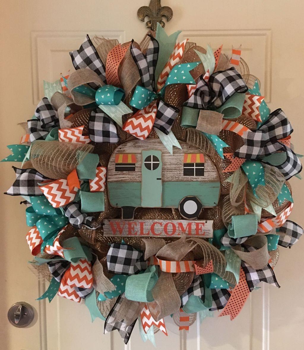 Popular Winter Front Door Decoration Ideas 07