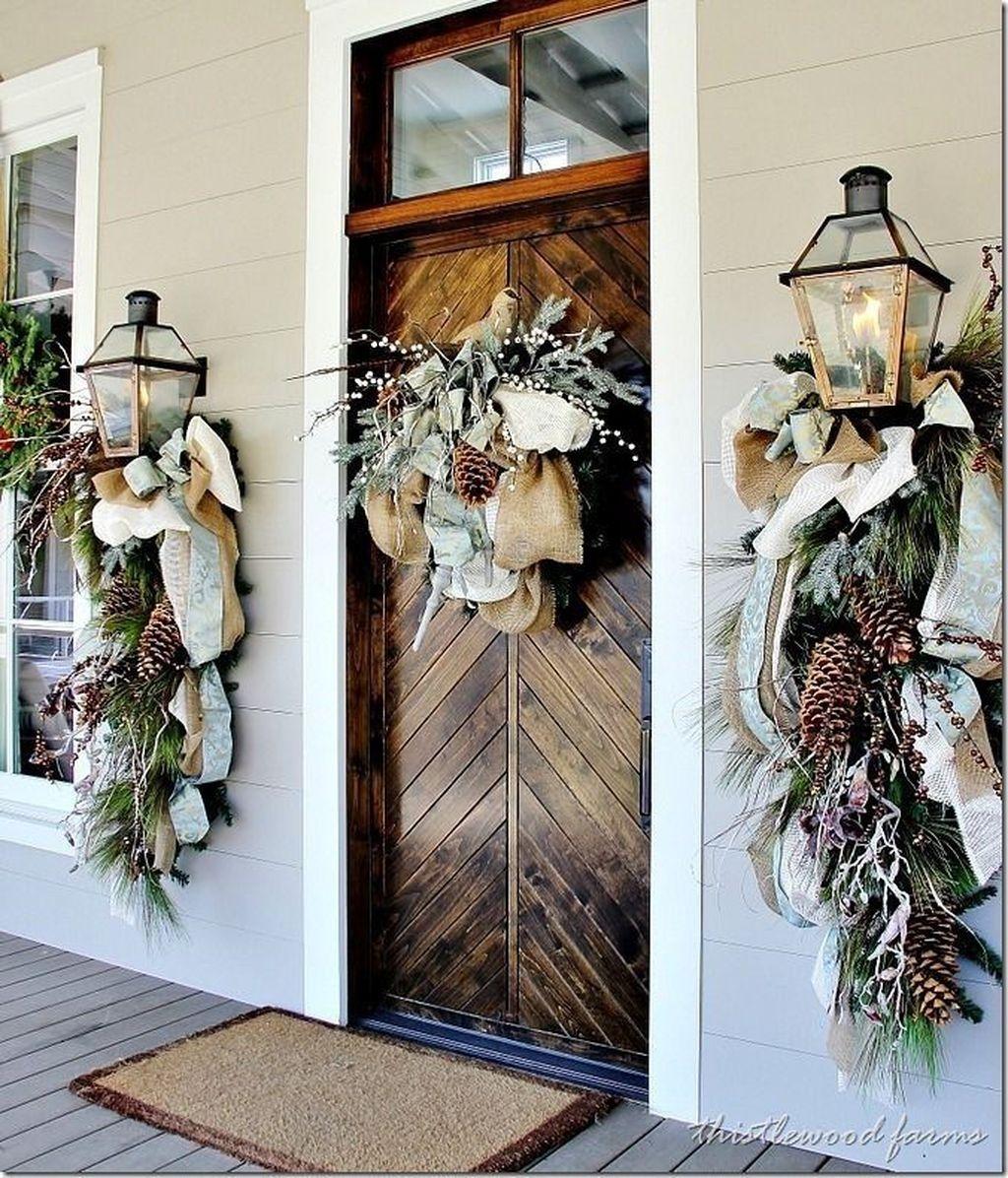Popular Winter Front Door Decoration Ideas 10